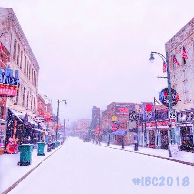 Snow blanketed Memphis yesterday but blues fans and musicians fromhellip